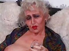 Old slut fucked by a...