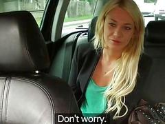 Blonde beauty pounded for a free fare