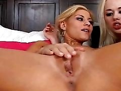 Hot and sexy lesbians get...